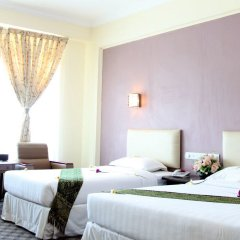 Zabu Thiri Hotel комната для гостей фото 2