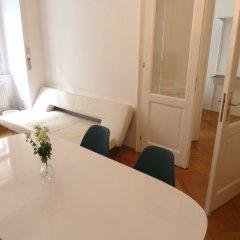 Апартаменты Sobieski Apartments St. Stephen Cathedral комната для гостей фото 4