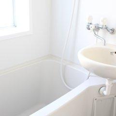 Отель Guest House Naraya - Hostel Япония, Порт Хаката - отзывы, цены и фото номеров - забронировать отель Guest House Naraya - Hostel онлайн ванная фото 2
