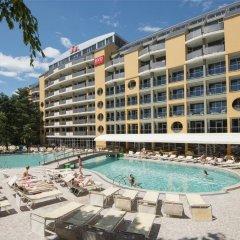 Отель HVD Viva Club Hotel - Все включено Болгария, Золотые пески - 1 отзыв об отеле, цены и фото номеров - забронировать отель HVD Viva Club Hotel - Все включено онлайн бассейн фото 2
