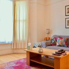 Отель Charming 1 Bedroom Property Next to Hampstead Heath комната для гостей фото 3