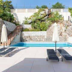 Отель MalagaSuite Beach Solarium & Pool Торремолинос бассейн