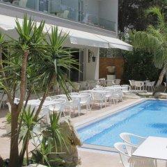 Hotel Dyrrah бассейн