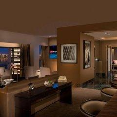 Отель Millennium Hilton New York One UN Plaza США, Нью-Йорк - 1 отзыв об отеле, цены и фото номеров - забронировать отель Millennium Hilton New York One UN Plaza онлайн гостиничный бар
