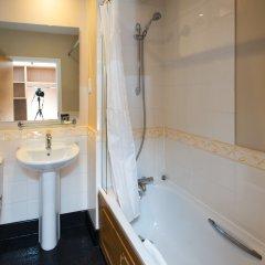 Mercure Newbury West Grange Hotel ванная
