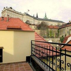 Отель Бутик-отель The Golden Wheel Чехия, Прага - отзывы, цены и фото номеров - забронировать отель Бутик-отель The Golden Wheel онлайн балкон