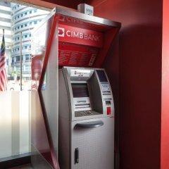 Отель MoMo's Kuala Lumpur Малайзия, Куала-Лумпур - отзывы, цены и фото номеров - забронировать отель MoMo's Kuala Lumpur онлайн банкомат