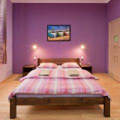 Отель Hostel 70s and Queen Apartments Польша, Краков - 2 отзыва об отеле, цены и фото номеров - забронировать отель Hostel 70s and Queen Apartments онлайн комната для гостей фото 2