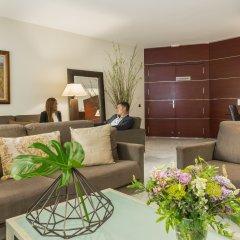 Отель Aparthotel Mariano Cubi Barcelona интерьер отеля