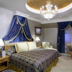 Гостиница Донбасс Палас комната для гостей