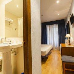 Отель Cityexpress Covadonga Испания, Овьедо - отзывы, цены и фото номеров - забронировать отель Cityexpress Covadonga онлайн ванная фото 2