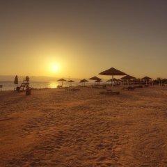 Отель Radisson Blu Tala Bay Resort, Aqaba пляж фото 2
