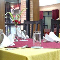 Отель Thamel Eco Resort Непал, Катманду - отзывы, цены и фото номеров - забронировать отель Thamel Eco Resort онлайн питание