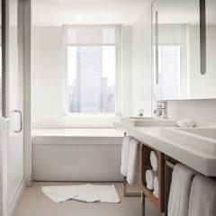 Отель Yotel New York at Times Square США, Нью-Йорк - отзывы, цены и фото номеров - забронировать отель Yotel New York at Times Square онлайн ванная фото 2