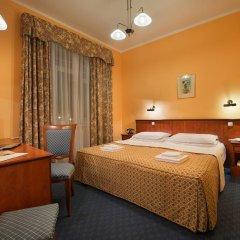 Hotel Union 4* Стандартный номер с двуспальной кроватью