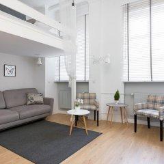 Апартаменты Adele Old Town Apartment Варшава комната для гостей