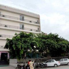 Отель Dwarka Palace Индия, Нью-Дели - отзывы, цены и фото номеров - забронировать отель Dwarka Palace онлайн парковка