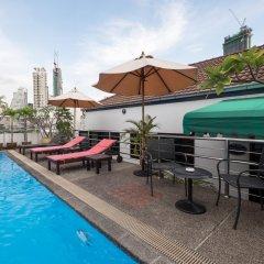 Отель Admiral Suites Sukhumvit 22 By Compass Hospitality Бангкок бассейн