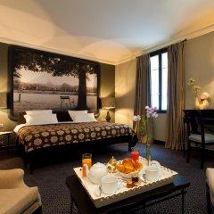 Отель Fontaines Du Luxembourg Париж в номере