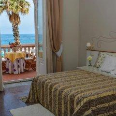 Отель B&B Villa Raineri Таормина комната для гостей фото 3