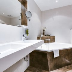 Отель Parkhotel Diani ванная