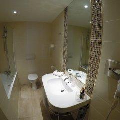 Отель Grand Hotel d'Orléans Франция, Тулуза - 2 отзыва об отеле, цены и фото номеров - забронировать отель Grand Hotel d'Orléans онлайн ванная фото 2