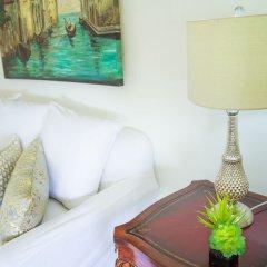 Отель Kingston Luxury Condo Apartment Ямайка, Кингстон - отзывы, цены и фото номеров - забронировать отель Kingston Luxury Condo Apartment онлайн комната для гостей фото 3