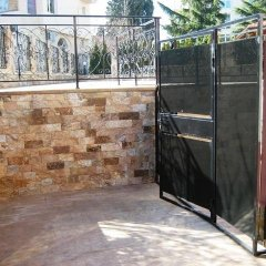 Отель Ravda Apartments Болгария, Равда - отзывы, цены и фото номеров - забронировать отель Ravda Apartments онлайн спортивное сооружение