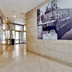 Отель Duomo - Apartments Milano Италия, Милан - 2 отзыва об отеле, цены и фото номеров - забронировать отель Duomo - Apartments Milano онлайн интерьер отеля фото 3