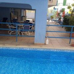 Отель Pasianna Hotel Apartments Кипр, Ларнака - 6 отзывов об отеле, цены и фото номеров - забронировать отель Pasianna Hotel Apartments онлайн бассейн фото 2