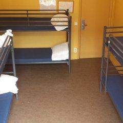 Отель Hostel Van Gogh Brussels Бельгия, Брюссель - 1 отзыв об отеле, цены и фото номеров - забронировать отель Hostel Van Gogh Brussels онлайн комната для гостей фото 2