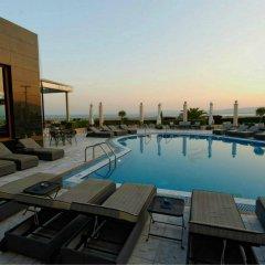 Отель Royal Hotel Греция, Ферми - 1 отзыв об отеле, цены и фото номеров - забронировать отель Royal Hotel онлайн бассейн фото 2
