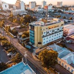 R Hotel Kingston балкон