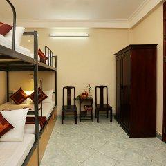 Отель Hanoi Old Quarter Hostel Вьетнам, Ханой - отзывы, цены и фото номеров - забронировать отель Hanoi Old Quarter Hostel онлайн комната для гостей фото 3