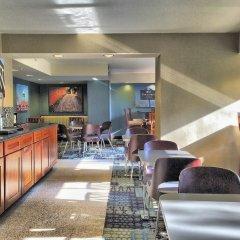 Отель Georgetown Suites гостиничный бар