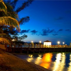 Отель Jewel Dunn's River Beach Resort & Spa, Curio Collection by Hilton пляж