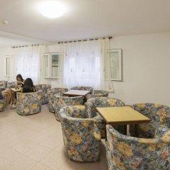 Отель Hostal Roca Испания, Сан-Антони-де-Портмань - 4 отзыва об отеле, цены и фото номеров - забронировать отель Hostal Roca онлайн питание