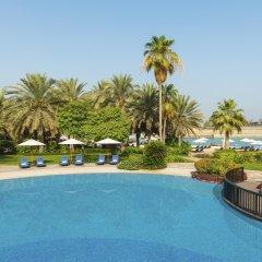 Sheraton Abu Dhabi Hotel & Resort бассейн