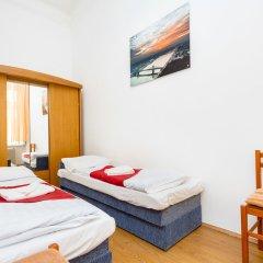 Апартаменты Opera Apartments комната для гостей