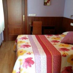 Отель Hostal Adelia Испания, Ла-Корунья - отзывы, цены и фото номеров - забронировать отель Hostal Adelia онлайн комната для гостей фото 3