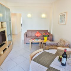 Отель Le France-Massenet AP3015 by Riviera Holiday Homes Ницца комната для гостей фото 4