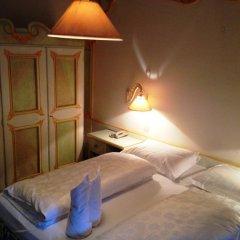 Hotel Aquila Nera - Schwarzer Adler Випитено комната для гостей фото 4