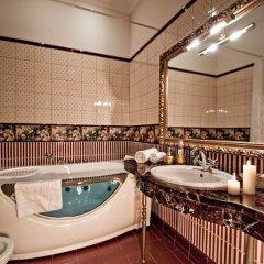 Гостиница Роял Отель Де Пари Украина, Киев - 14 отзывов об отеле, цены и фото номеров - забронировать гостиницу Роял Отель Де Пари онлайн ванная фото 2
