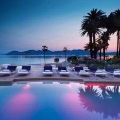 Отель Radisson Blu 1835 Hotel & Thalasso, Cannes Франция, Канны - 2 отзыва об отеле, цены и фото номеров - забронировать отель Radisson Blu 1835 Hotel & Thalasso, Cannes онлайн бассейн фото 2
