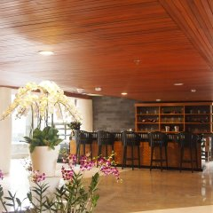 Bedrock Hotel Kuta Bali гостиничный бар
