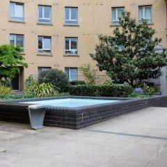 Отель 2 Bedroom Flat In Holloway With Balcony And Courtyard бассейн