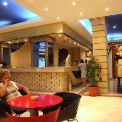 Отель King Tut Aqua Park Beach Resort - All Inclusive гостиничный бар
