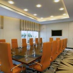 Отель Hilton Capital Grand Abu Dhabi