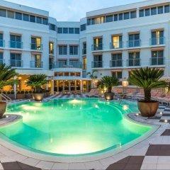 Отель The Plymouth South Beach бассейн