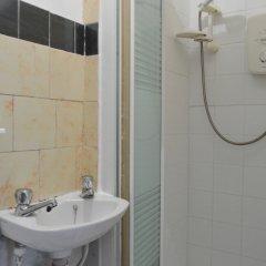 Отель 2 Bedroom Flat In Central Edinburgh Эдинбург ванная фото 2